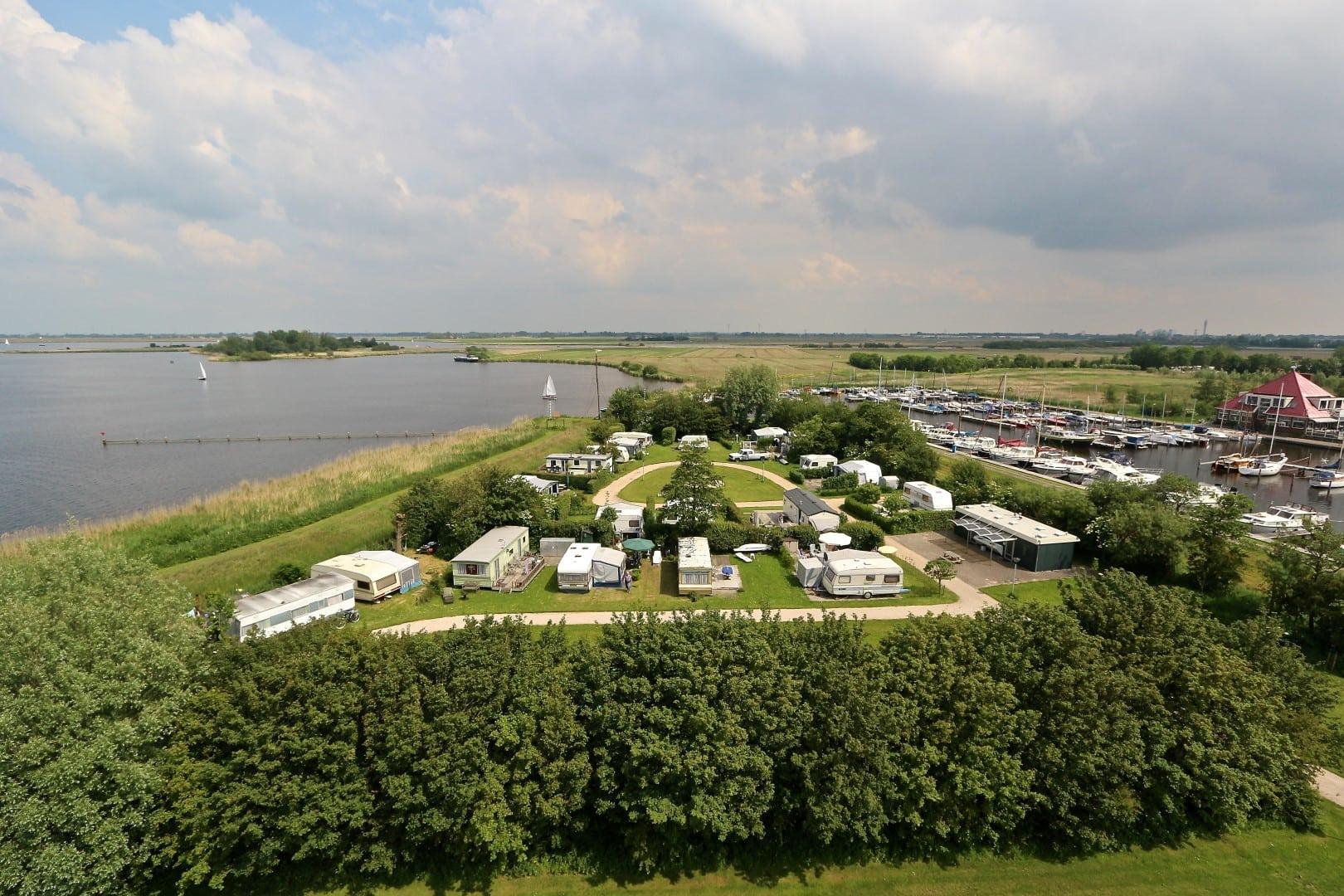 Camping Zwaansmeerpolder aan het Uitgeestermeer